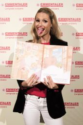 Michelle Hunziker Presents the Book for Children