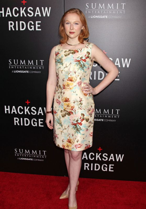 Molly Quinn – 'Hacksaw Ridge' Movie Premiere in Los Angeles