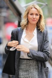 Naomi Watts Style and Fashion Inspirations - NYC 9/28/2016