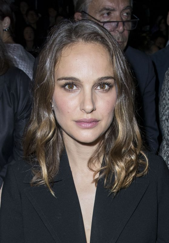 Natalie Portman - Christian Dior Show - Paris Fashion Week 9/30/2016
