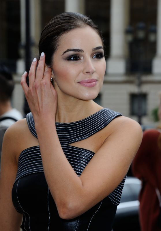 Olivia Culpo - Mugler Womenswear Spring/Summer 2017 in Paris 10/1/2016