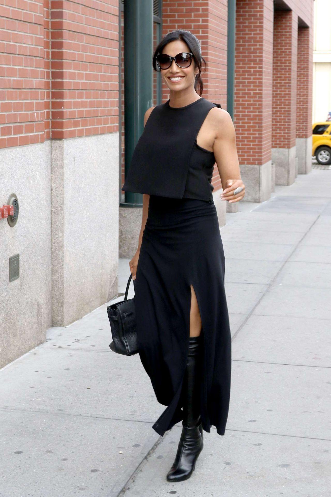padma lakshmi classy fashion  outside her nyc apartment 9
