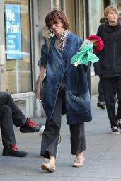 Parker Posey Shops for Fresh Flowers - West Village 10/12/2016