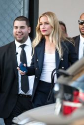 Piper Perabo Arriving to Appear on
