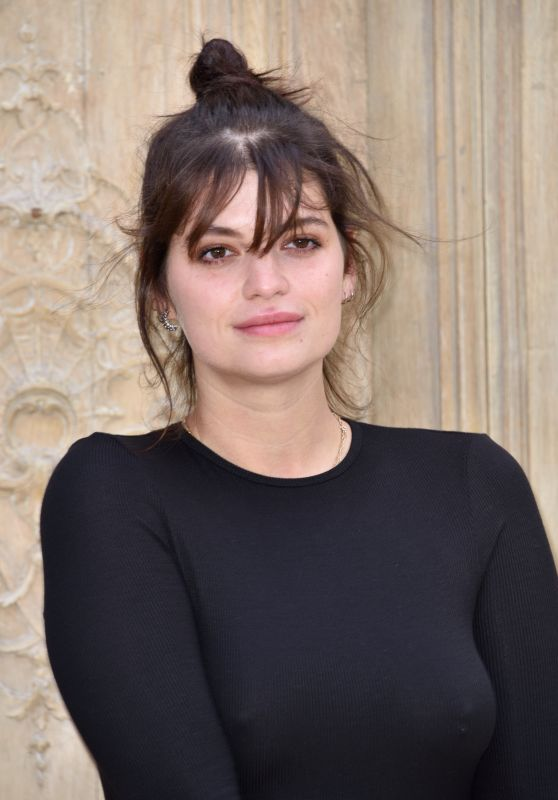 Pixie Geldof at Valentino Show – Paris Fashion Week 10/2/2016