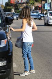 Rachel Bilson - Grabs Some Burritos From Sharky