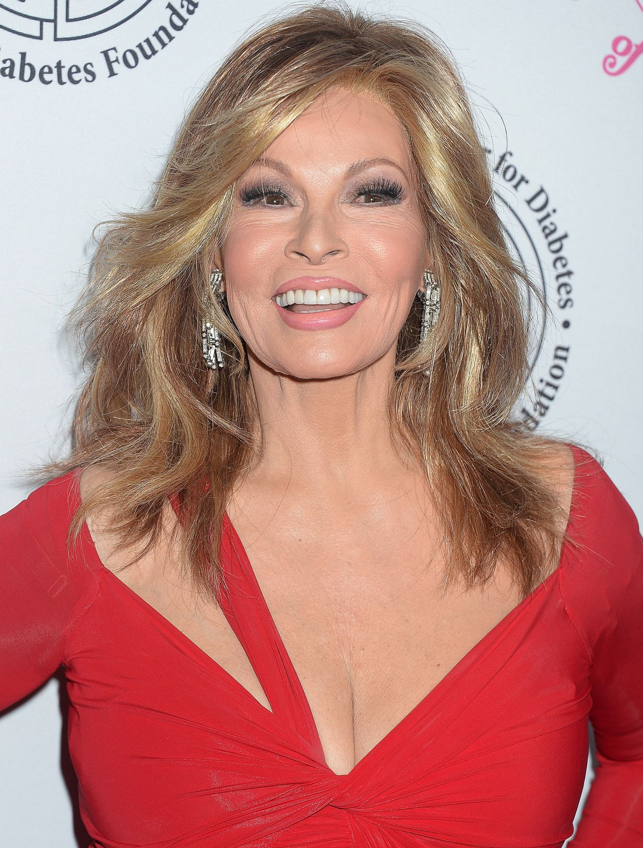 Raquel Welch Carousel Of Hope Ball In Beverly Hills 10