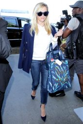 Reese Witherspoon at LAX Airport in Los Angeles 10/5/2016