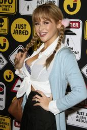 Renee Olstead - Just Jared
