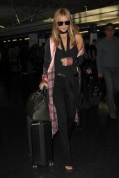 Rosie Huntington-Whiteley Travel Outfit - JFK Airport in New York City 10/17/2016