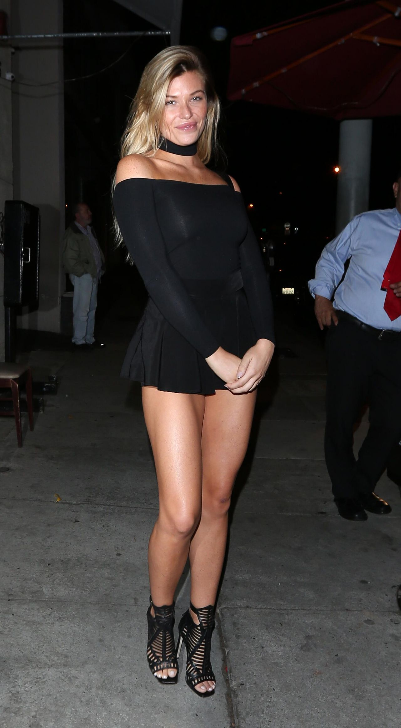 48abada24a Samantha Hoopes - Outside Craig s in West Hollywood 10 27  2016