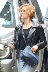 Scarlett Johansson Street Style - Out in NYC 9/30/2016