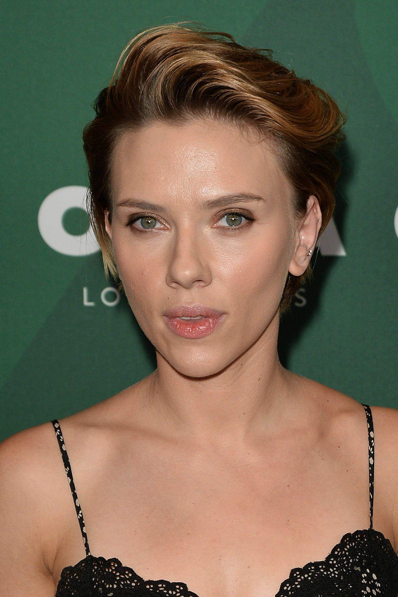 Scarlett Johansson - V...
