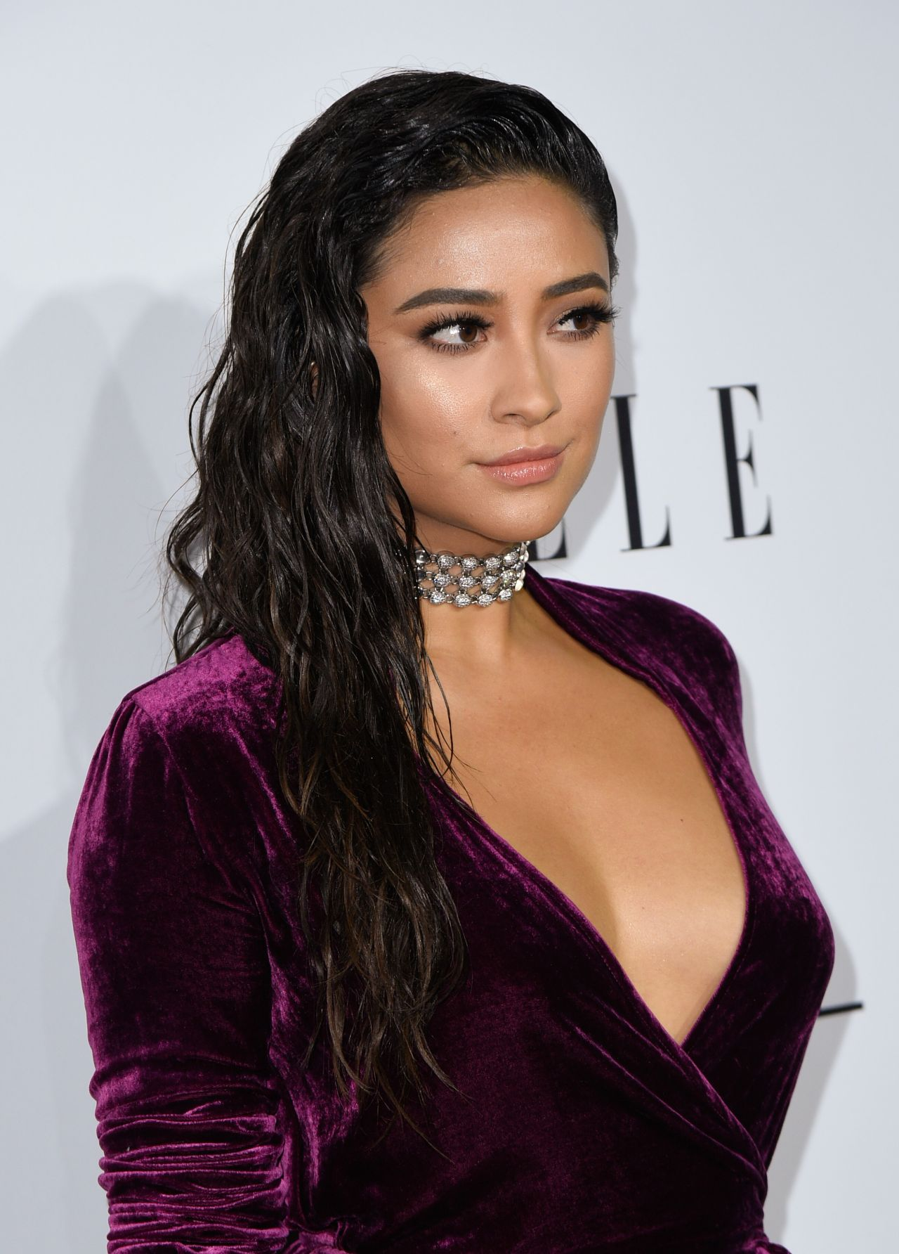 Celebrity wet and wavy hairstyles