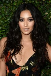 Shay Mitchell - Pretty Little Liars Final Season Celebration in Hollywood 10/29/2016