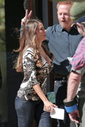 Sofia Vergara on the Set of Modern Family in Los Angeles 10/10/2016