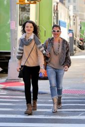 Stefania Owen Casual Style - Shopping With Her Mother in SoHo 10/11/2016