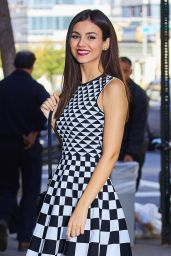 Victoria Justice - Arriving at the