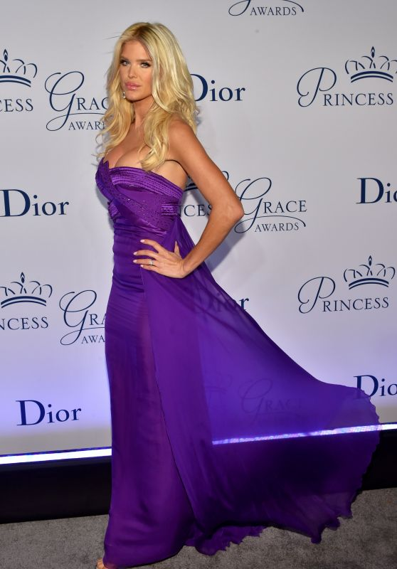 Victoria Silvstedt - Princess Grace Awards Gala in NYC, October 2016
