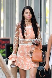 Adriana Lima Cute Outfit Ideas - Shopping in Miami 11/14/ 2016