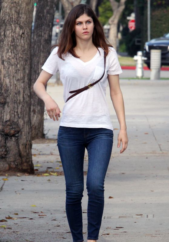 Alexandra Daddario in Tight Jeans – Beverly Hills, November 2016