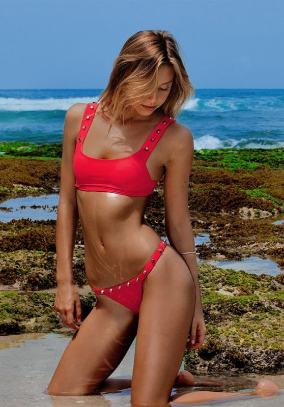 Alexis Ren - Indah Clothing Let