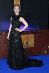 Alison Sudol on Red Carpet – 'Fantastic Beasts and Where To Find Them' Premiere in London
