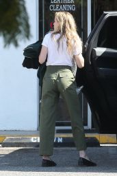 Amber Heard - Picking Up Some Clothes at a Dry Cleaners in LA 11/7/2016