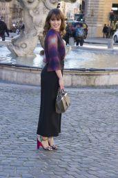 Angela Curri -