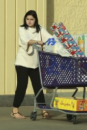 Ariel Winter - Shopping in Los Angeles - 11/07/2016