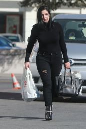 Ariel Winter - Shopping in Studio City 11/18/ 2016