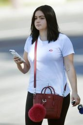 Ariel Winter - Voting in Her First General Election Ever in Los Angeles, CA 11/08/2016