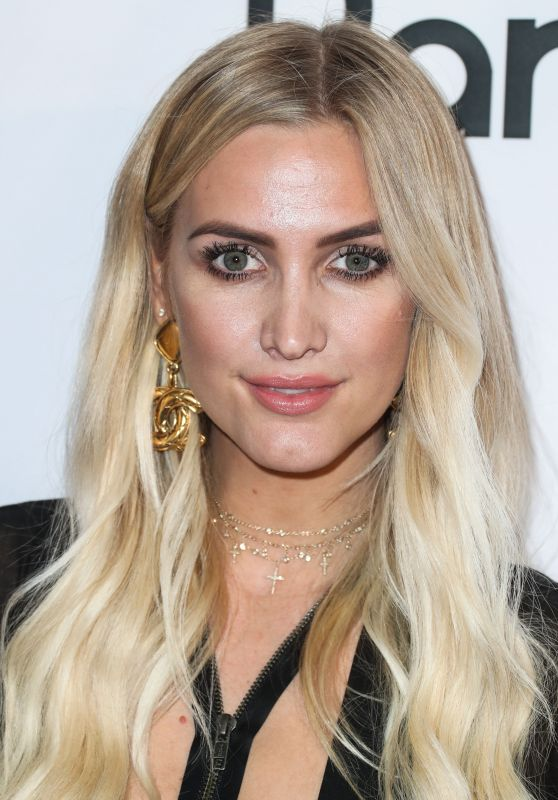 Ashlee Simpson – 'God vs Trump' Premiere at The TCL Chinese Theatre 6 in Hollywood, LA 11/7/2016