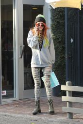 Bella Thorne - Shopping at Kate Somerville in West Hollywood 11/23/ 2016