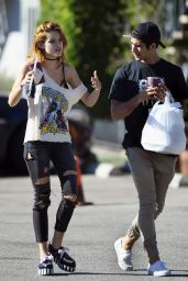 Bella Thorne Street Style - Picking up Lunch in Los Angeles 11/02/2016