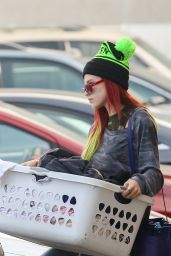 Bella Thorne With Sister - Doing Their Laundry at The Laundromat in LA 11/16/ 2016