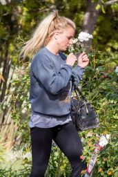 Britney Spears Street Style - Out in Los Angeles 11/28 /2016