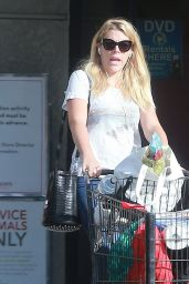 Busy Phillips - Shopping in Los Feliz 11/15/ 2016