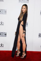 Chrissy Teigen – 2016 American Music Awards in Los Angeles
