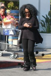Diana Ross - Grocery Shopping at Bristol Famrs in West Hollywood 11/23/ 2016