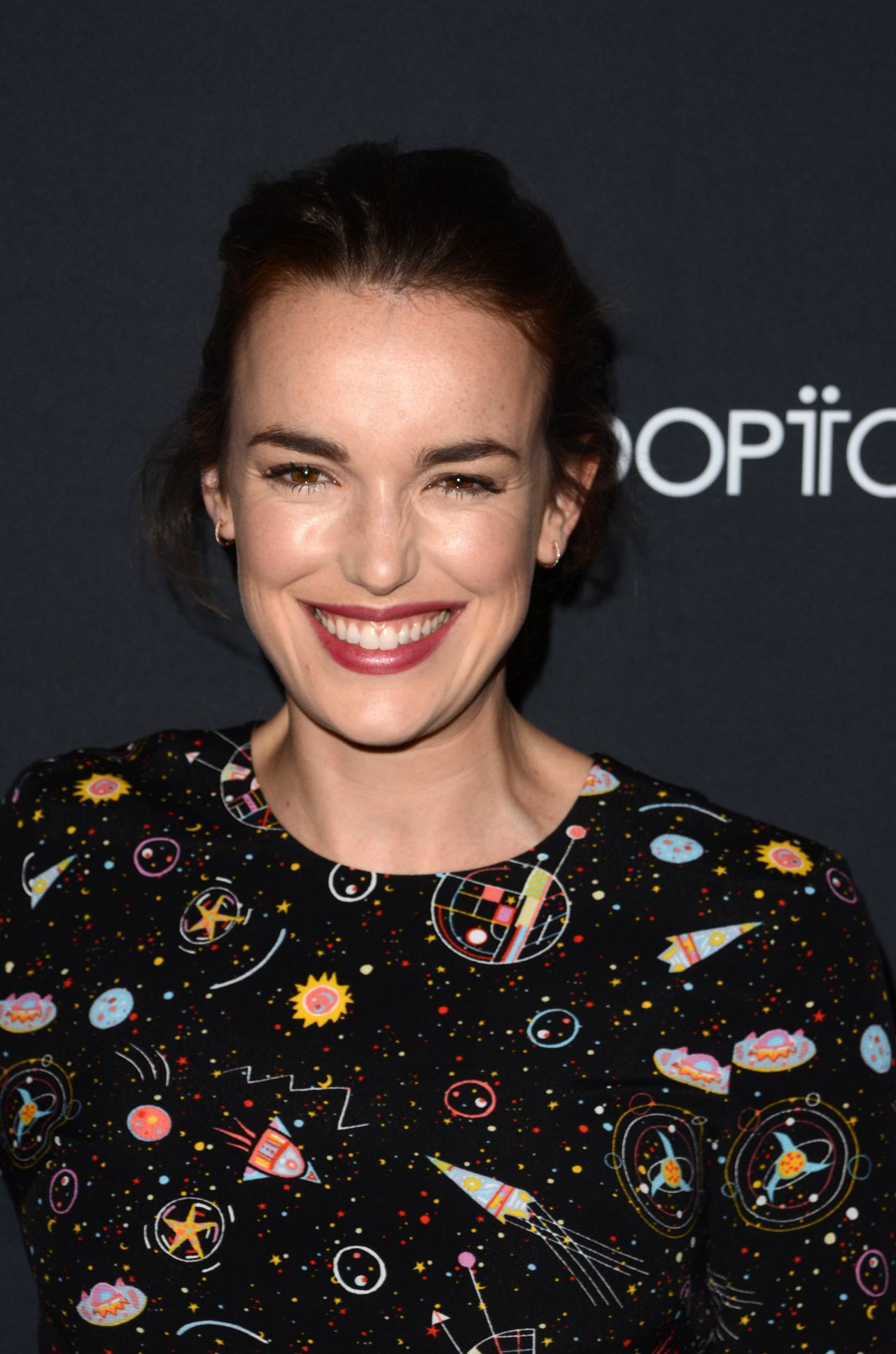 Elizabeth Henstridge Nude Photos 70