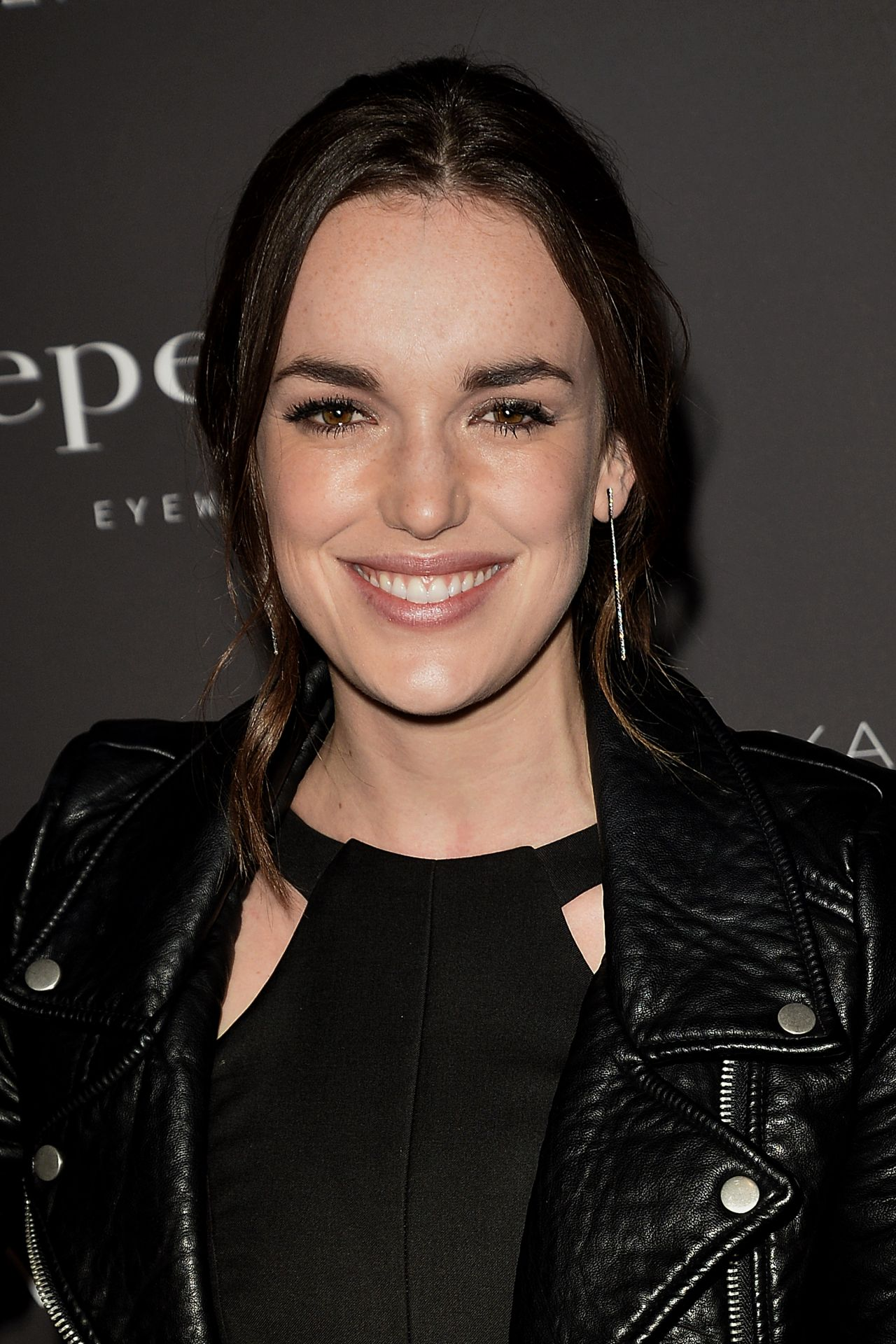 Elizabeth Henstridge Nude Photos 42