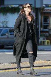 Elizabeth Olsen - Takes A Stroll Trough New York City 11/28/ 2016