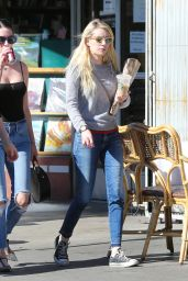 Emma Roberts - Shopping in Los Feliz 11/13/ 2016