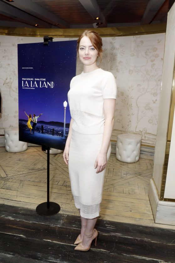 emma-stone-la-la-land-screening-in-los-angeles-2