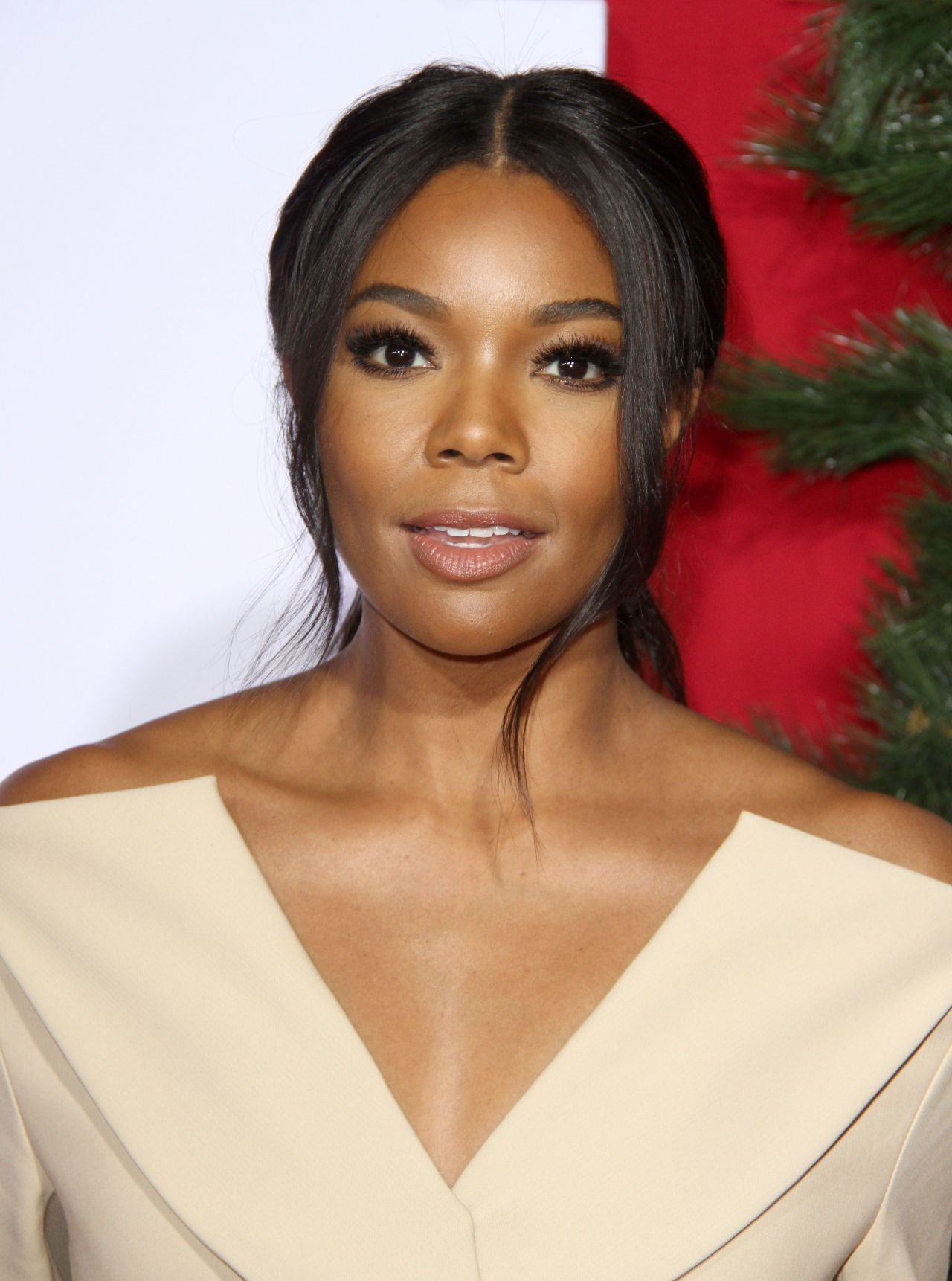 Almost Christmas Gabrielle Union.Gabrielle Union Almost Christmas Premiere In Westwood 11