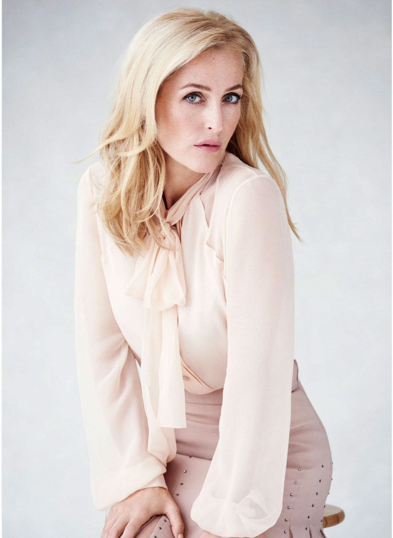 Gillian Anderson Harper S Bazaar Australia November 2016 Issue