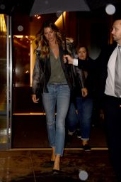 Gisele Bundchen in Skinny Jeans - New York 11/15/ 2016