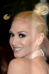 Gwen Stefani – Glamour Women Of The Year Awards in Los Angeles 11/14/ 2016