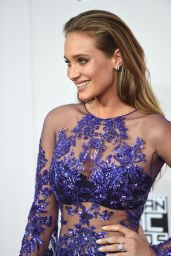 Hannah Davis – 2016 American Music Awards in Los Angeles